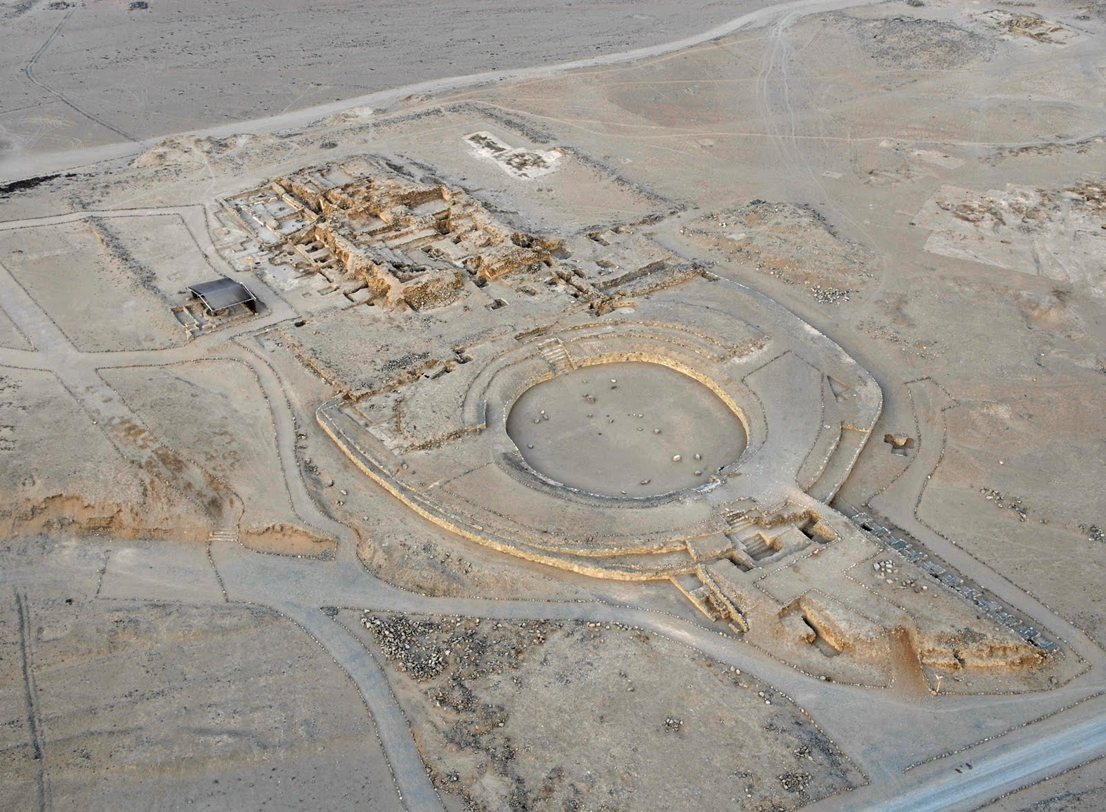 Incredible planing and construction methods present at Caral. Image source: http://testigodirectonoticias.blogspot.com/