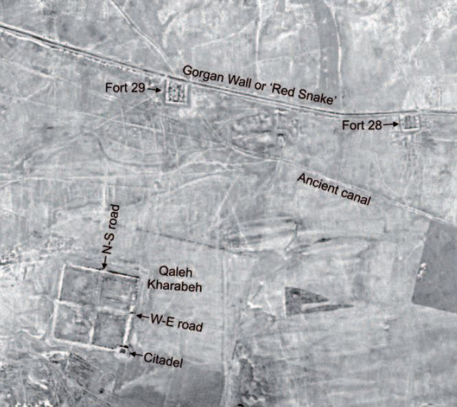 Corona satellite image of the massive square enclosure of Qaleh Kharabeh south of the Gorgan Wall. Image credit: Corona, courtesy of US Geological Survey