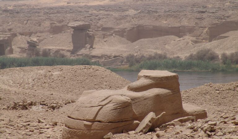 Rock inscriptions and Sphinx discovered at Gebel El Silsila