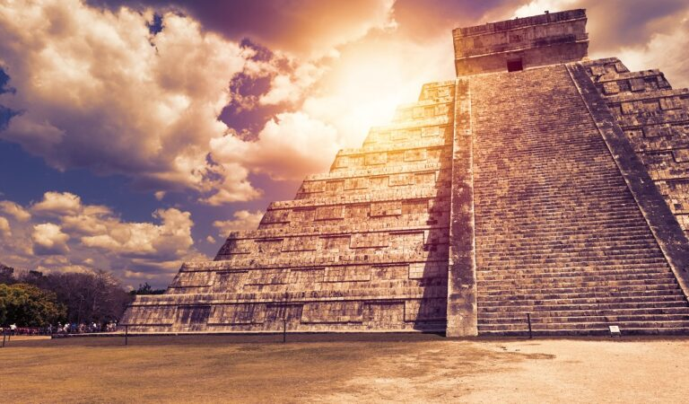 30 facts About Chichen Itza