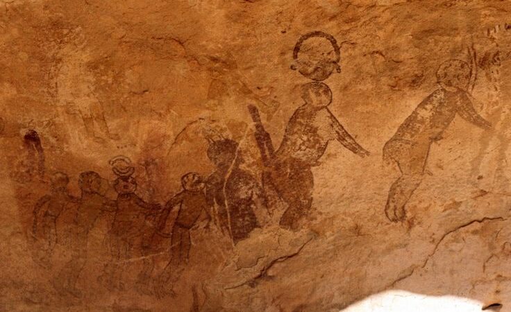 Evidence of Ancient Alien Contact: Three mind-boggling pieces of cave art
