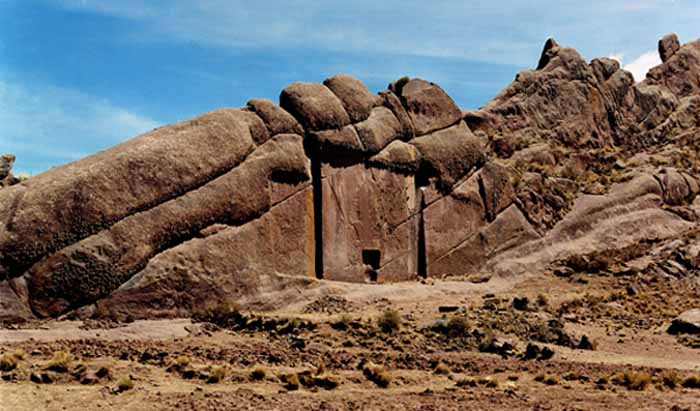 "The mysterious ""Gate of the Gods"" at Hayu Marca, Peru"