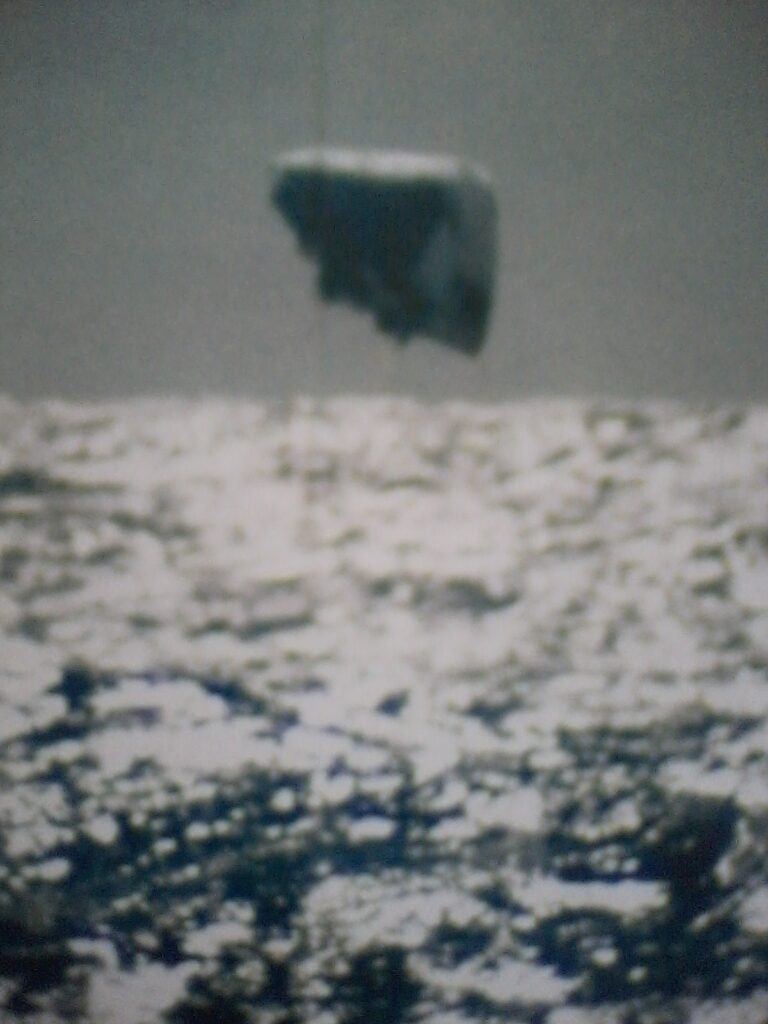 8 Compelling REAL UFO Images photographed from a Navy submarine Image070520151123421-768x1024