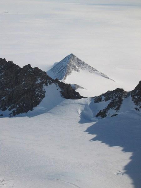 antarctica_pyramid_1-e1438849008826