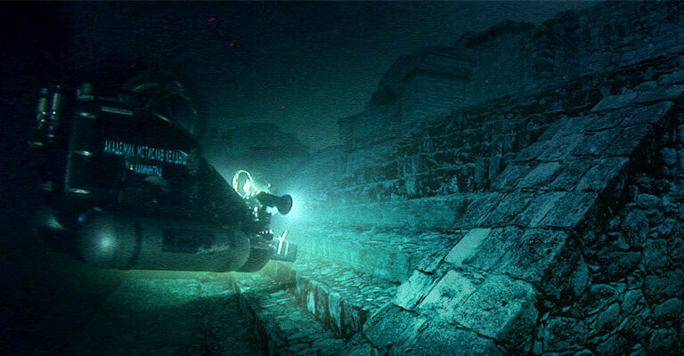 S02 E03 Ancient Aliens: Underwater Worlds