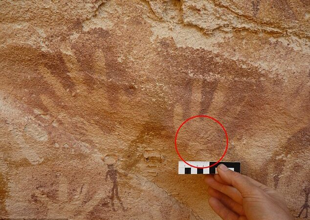 8,000-year-old handprints in Stone Age Cave were not human