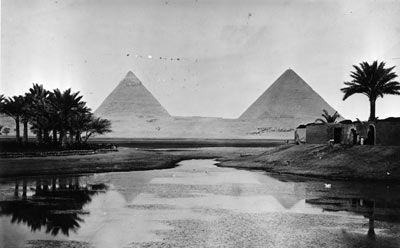 Circa 1900 The pyramids at Giza on the banks of the River Nile