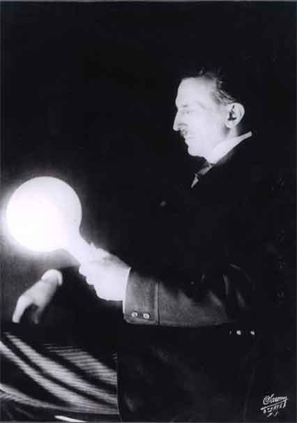 This image shows a gas-filled phosphor coated light bulb which Tesla developed in the 1890's. Half a century later fluorescent lamps came into use. Tesla was way ahead of his time.