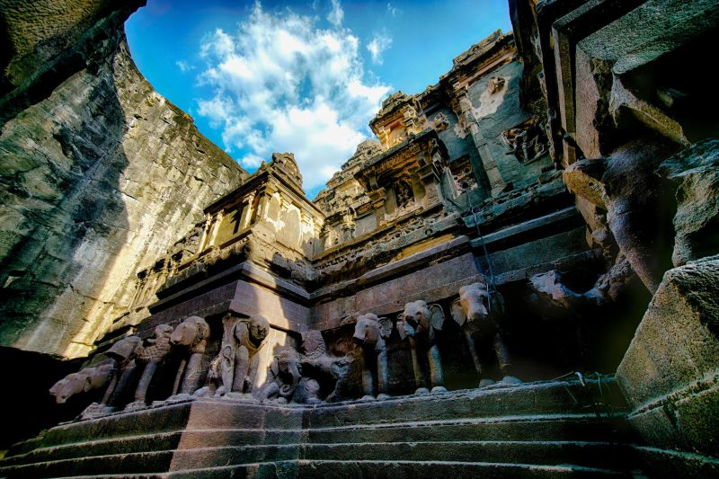 10 mind-boggling images of the Kailasa Temple that prove ancient man had advanced technology Ellora_caves_2