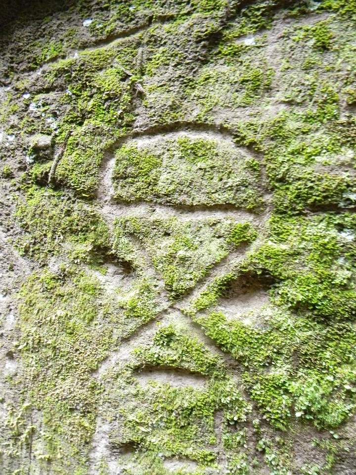Hikers discover Ancient stone carvings of strange beings and geometric shapes at Montserrat Montserrat2
