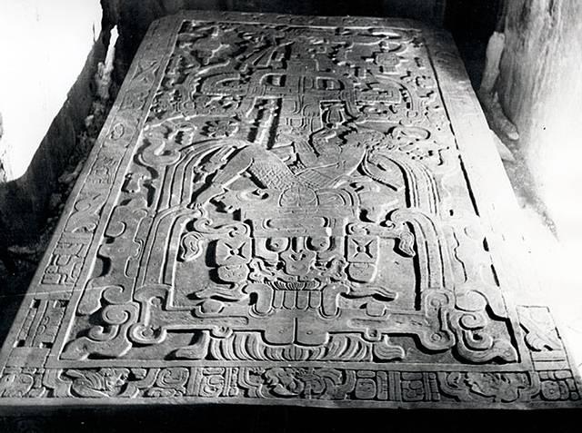 King Pakal spaceship Increíbles semejanzas entre los antiguos dioses en culturas no conectados, hacen alusión a Antiguos Aliens