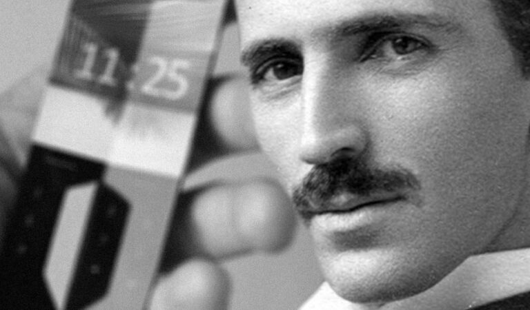 In 1926, Nikola Tesla Predicted Smartphones
