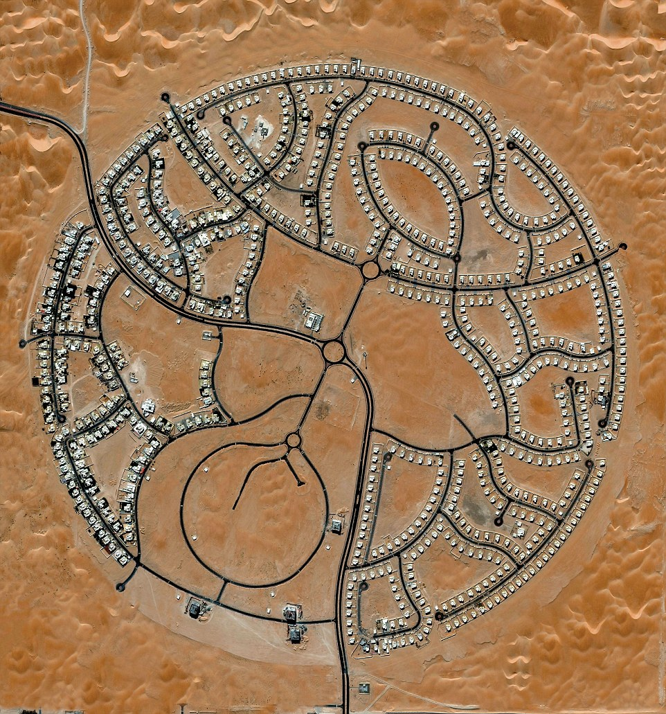 Home to approximately 2,000 people, the villas of Marabe Al Dhafra in Abu Dhabi, United Arab Emirates are located in one of the hottest regions on Earth.