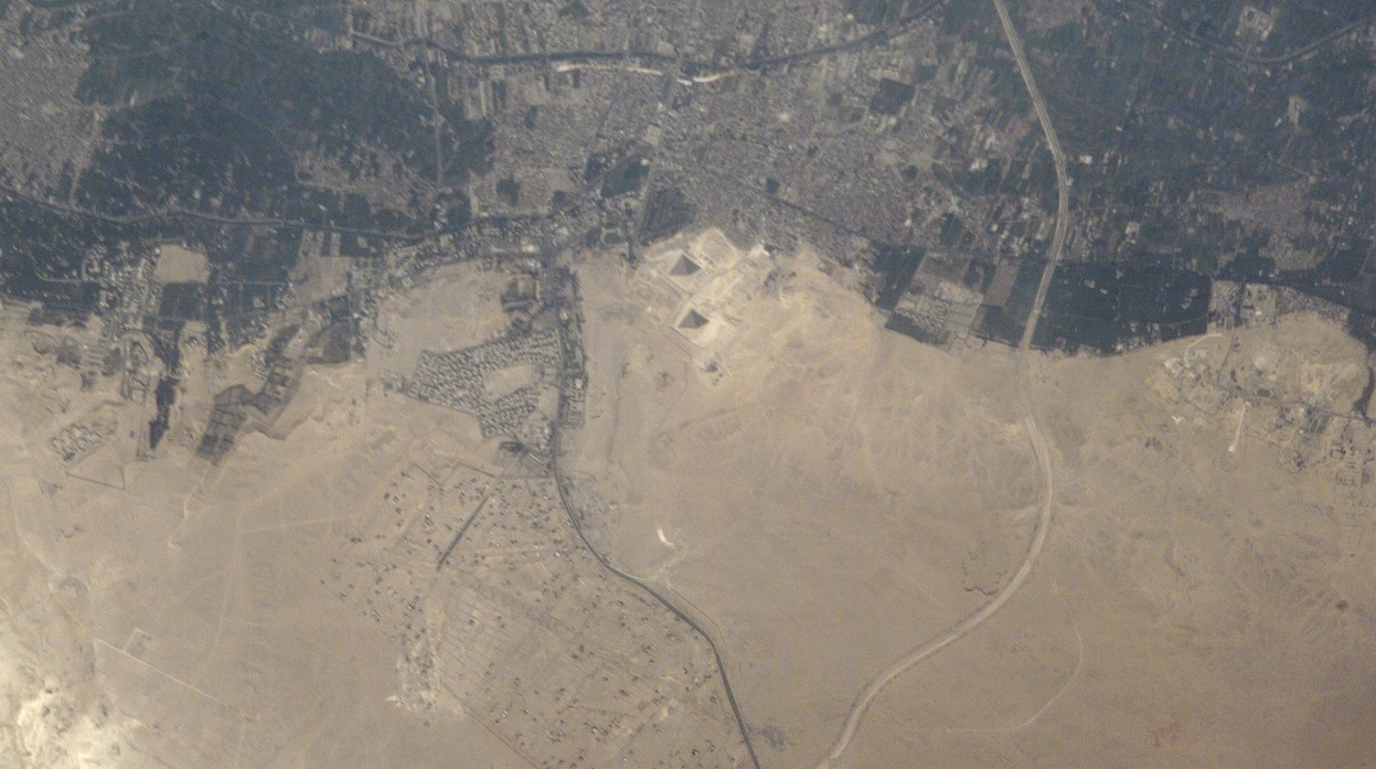 71333e5a09b0 Satellite view of the Pyramids at the Giza plateau from space. Image  Credit  NASA