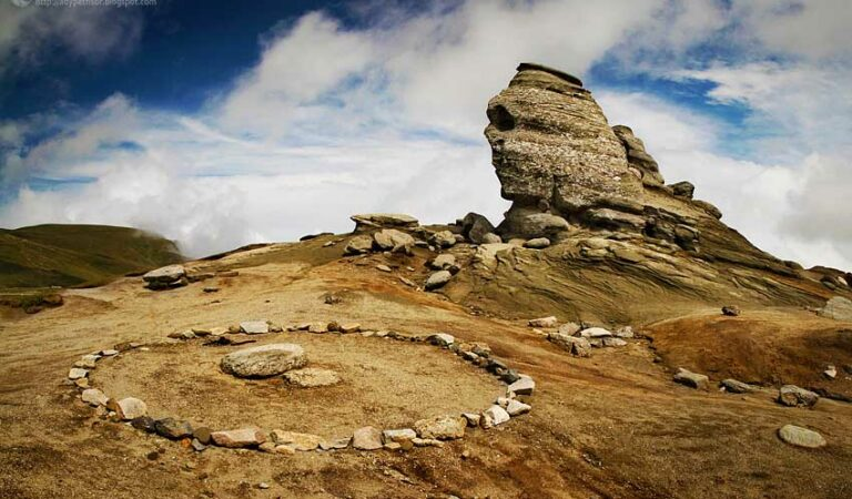 An Ancient Library hidden beneath the Sphinx in the Bucegi Mountains: A suppressed discovery?