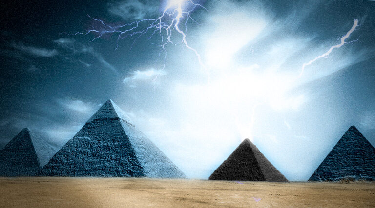 Ancient texts reveal a black Pyramid is missing at the Giza plateau