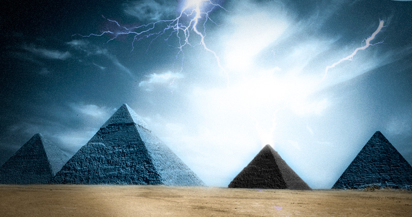 Image result for Ancient texts reveal a BLACK Pyramid is missing at the Giza plateau