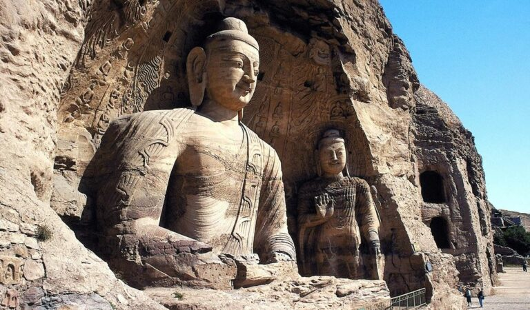 The magnificent Longmen Grottoes—2,345 artificially carved caves