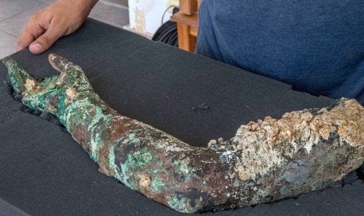 Bronze arm and a mystery disk are found at Greece's Antikythera shipwreck