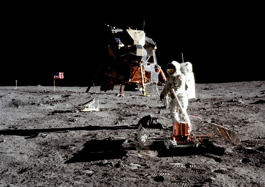 Here Are NASA's Unreleased Apollo Mission Images They Don't Want You To See As11-40-5949b_0