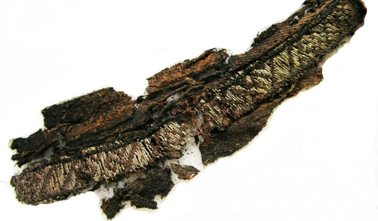 "Arabic embroidery with the name ""Allah"" uncovered on 10th century Viking clothes"