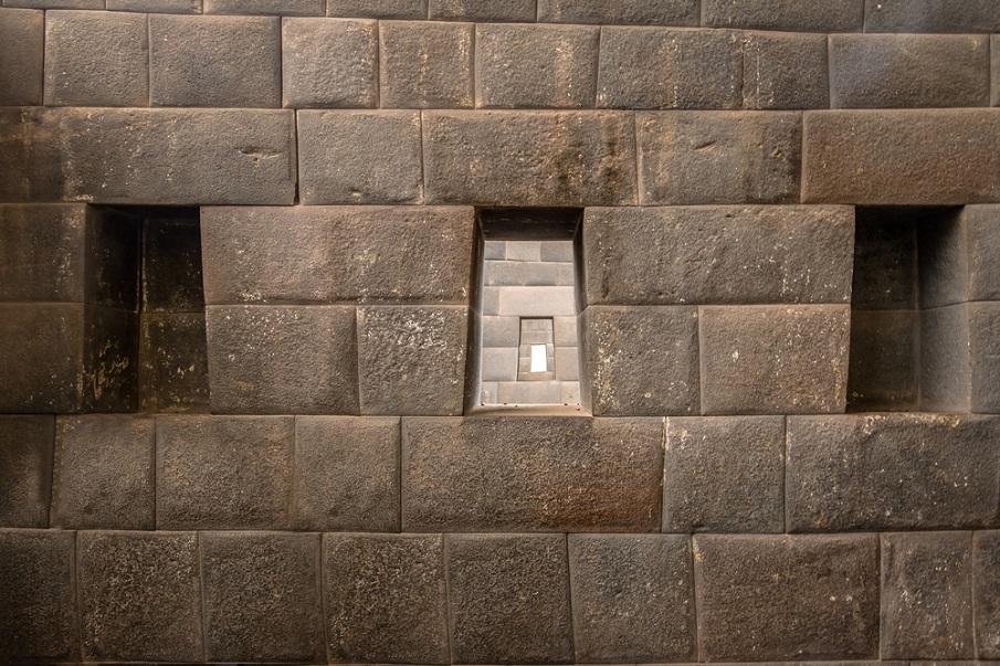 La increíble similitud entre el Templo Coricancha en Perú y el Templo del Valle de Egipto