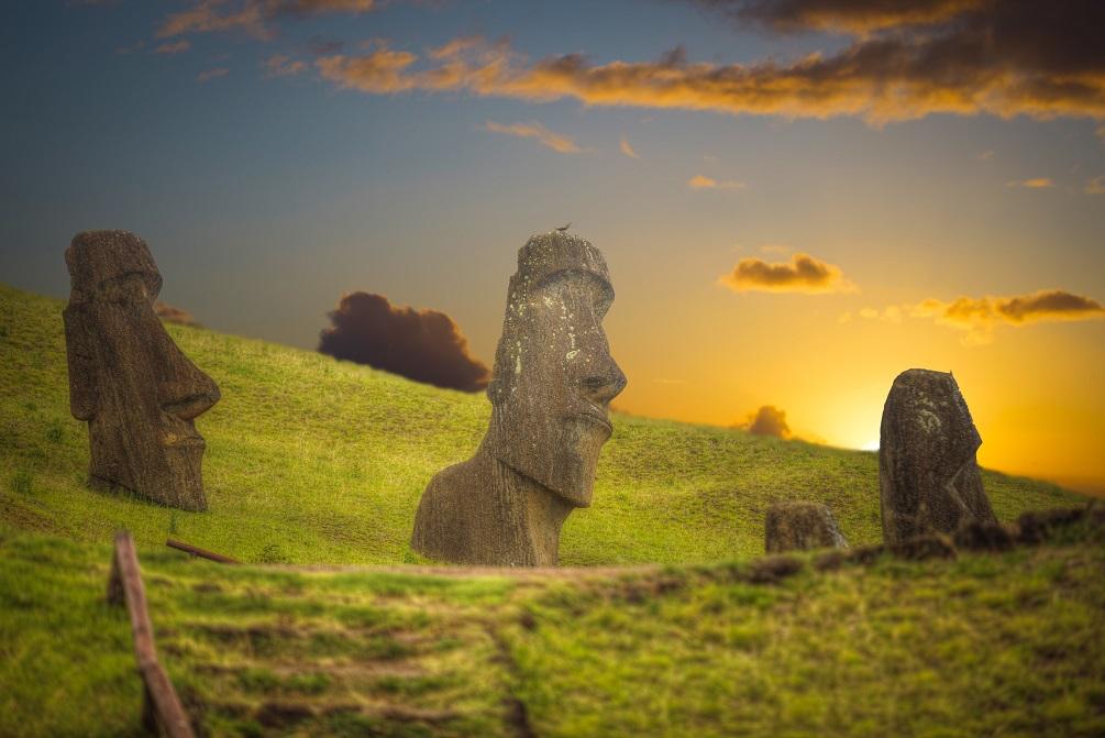 Moai Statuen