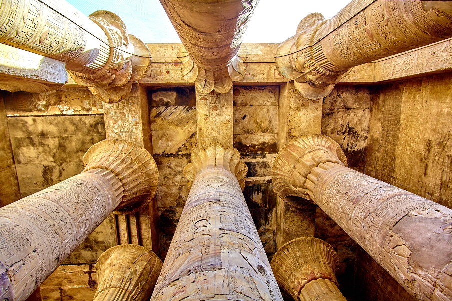 An image of the hypostyle hall of Karnak's temple in Luxor.
