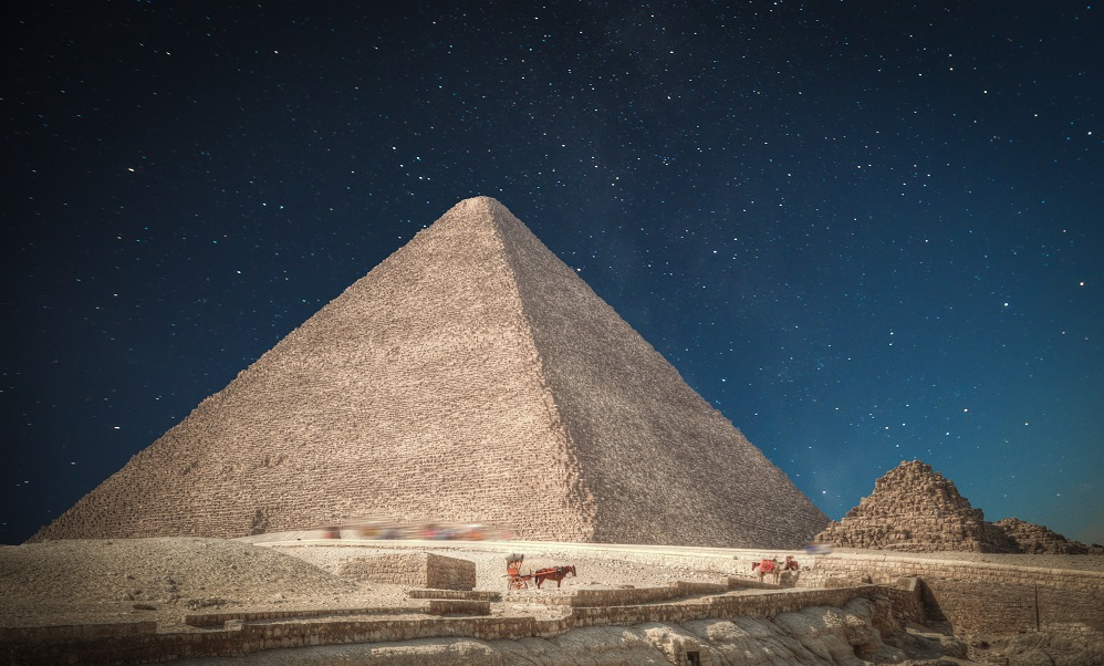 Great Pyramid of Giza 5 sitios antiguos que muchos creen fueron construidos por extraterrestres