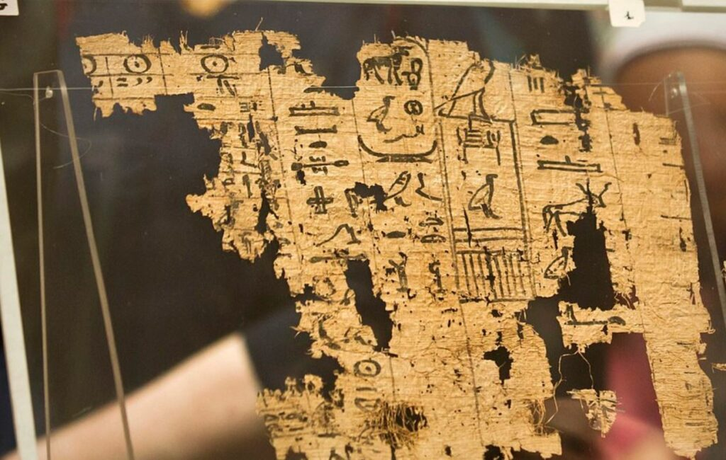 This Is The Oldest Egyptian Papyrus Ever Found, And It Reveals How The Pyramids Were Built Papyrus-Egypt-1024x650