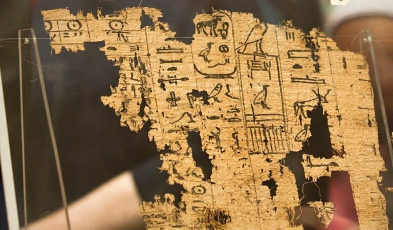 This Is The Oldest Egyptian Papyrus Ever Found, And It Reveals How The Pyramids Were Built