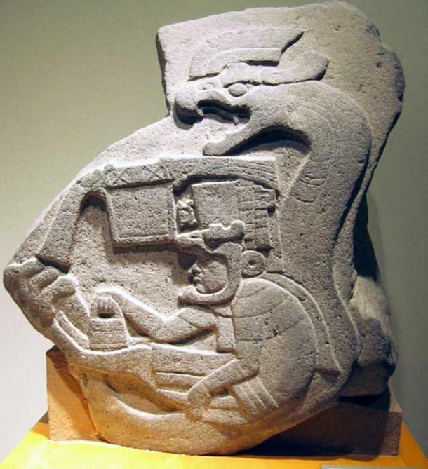 Olmec Monument 10 artefactos antiguos que sugieren que podríamos haber sido visitados por antiguos astronautas