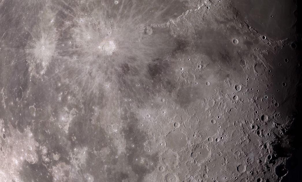 La nasa lanza un video 4k de la luna que termina con la for Cuales son las caracteristicas de un mural
