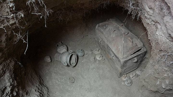 Archaeologists Unearth A Tomb Dating Back To The Times Of The Minotaur