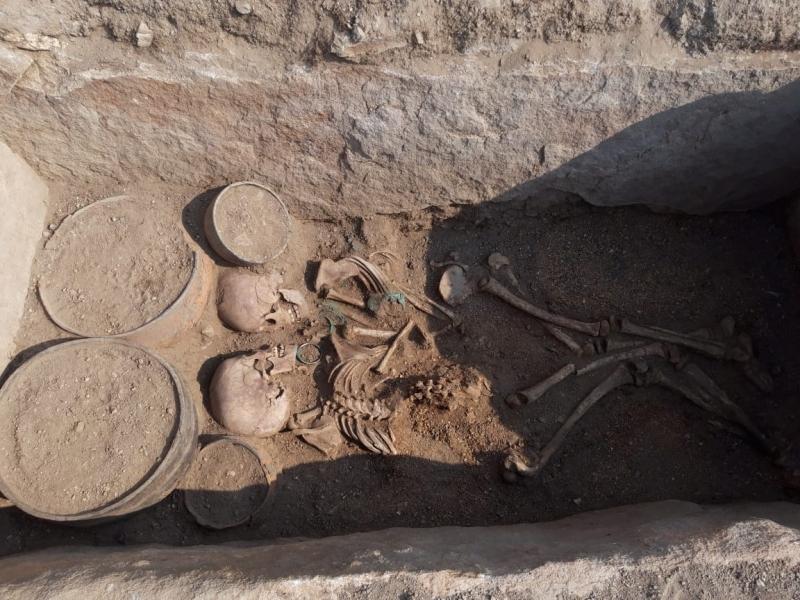 Kazakhstan lovers grave